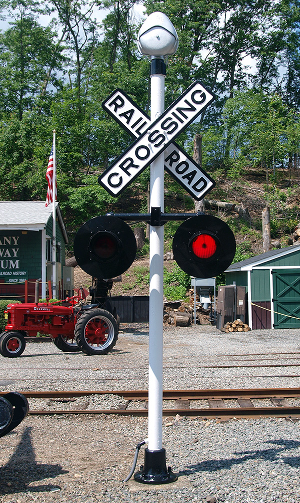 Railroad Crossing Gates & Signals